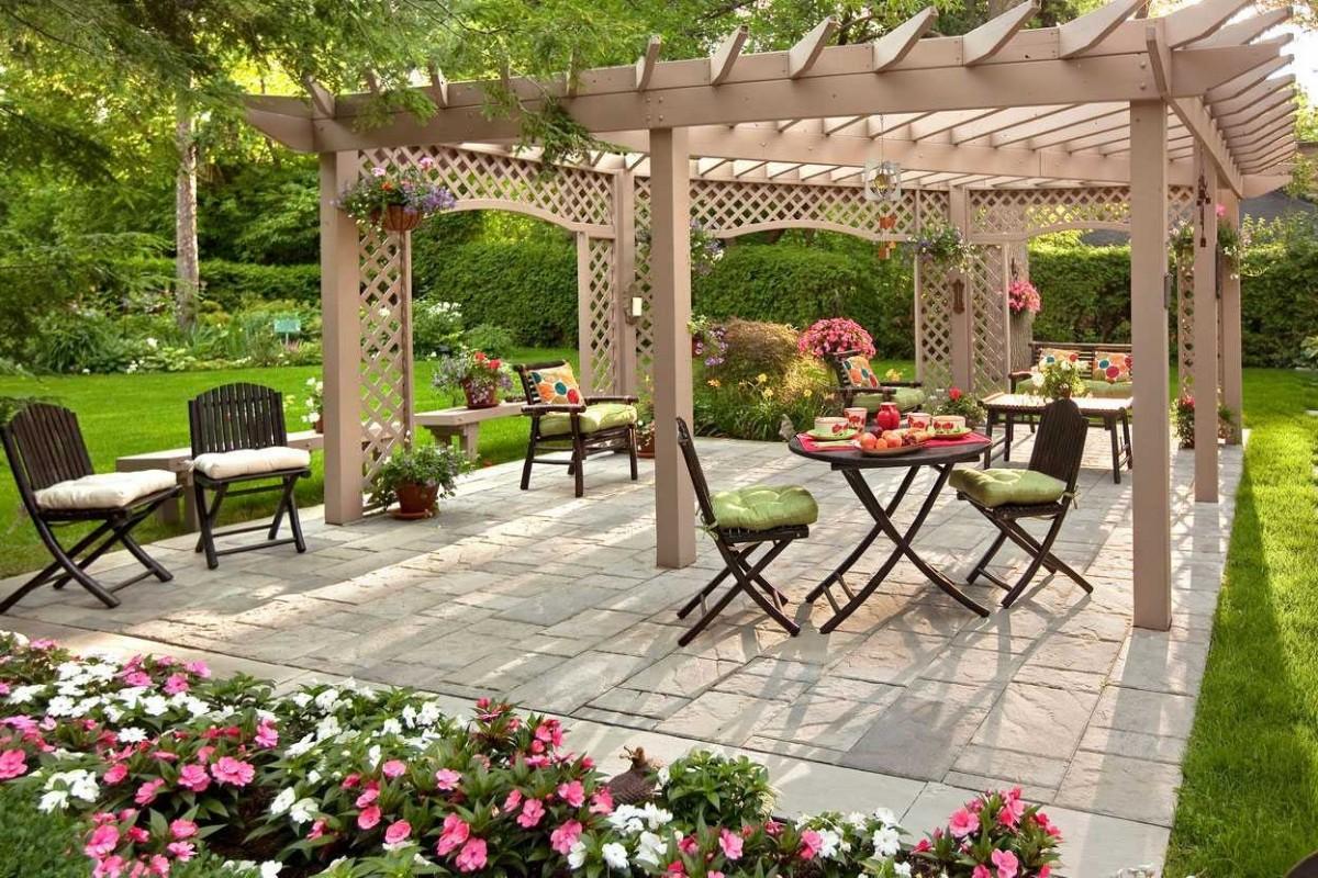 Une pergola de jardin selon le type de sol